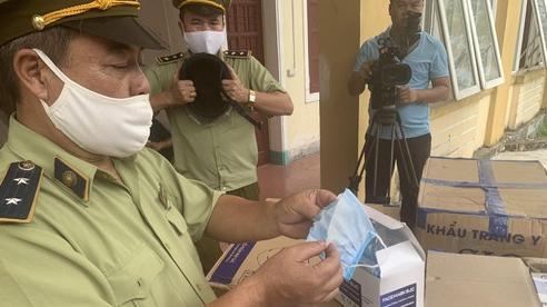 Hà Tĩnh: Bắt giữ 390.000 chiếc khẩu trang không có hóa đơn, chứng từ đang lưu thông từ Nam ra Bắc