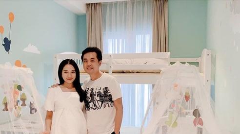 Vợ chồng Dương Khắc Linh chuẩn bị phòng mới chào đón hai quý tử