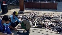 Tiêu hủy vũ khí thô sơ, hung khí nguy hiểm, công cụ hỗ trợ sai quy định
