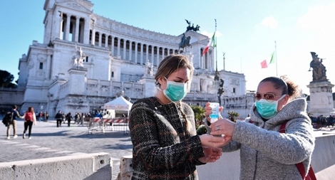 Số ca mắc COVID-19 tăng chóng mặt, Italia tái áp đặt các hạn chế