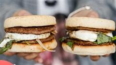Ăn thử burger vị phở vừa ra mắt của McDonald's