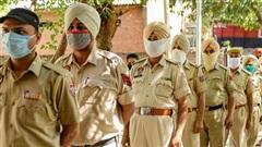 Xót xa bé gái Ấn Độ 13 tuổi bị cưỡng hiếp rồi sát hại, thi thể bị vứt ở cánh đồng mía