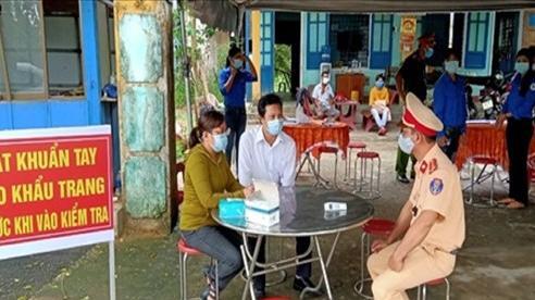 Quảng Nam: Thầy giáo coi thi tốt nghiệp THPT nghi mắc Covid-19
