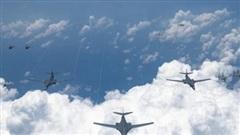 Mỹ điều loạt máy bay ném bom tham gia tập trận với Nhật