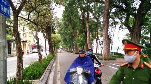 Hà Nội đã xử phạt nhiều người không mang khẩu trang, điểm kinh doanh không giãn cách