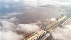 Trung Quốc ngăn lũ: Kế hoạch hoành tráng ở Bắc Kinh, địa phương thực hiện kiểu 'treo đầu dê'?