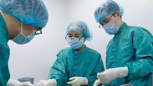 Quyền Bộ trưởng Y tế: Sớm nhất 6 tháng cuối năm 2021 Việt Nam mới có vaccine ngừa COVID-19