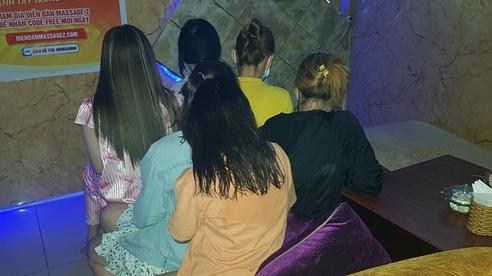 Massage Điêu Thuyền ở quận Tân Bình: Hết gói 'vua' lại đến 'vua đặc biệt'