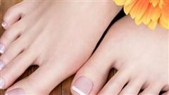 Bàn chân giống như 'đồng hồ sức khỏe': 3 dấu hiệu này trên bàn chân cho biết rất có thể gan của bạn đang gặp vấn đề