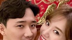 Hari Won tiết lộ món quà đầu tiên được Trấn Thành tặng lúc hẹn hò, nhìn cách nàng gìn giữ là biết quý lắm