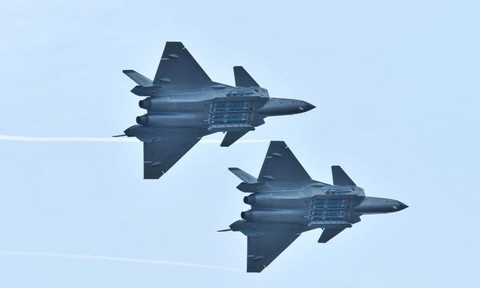 Ấn – Trung điều chiến đấu cơ tân tiến đến biên giới 'dằn mặt' nhau