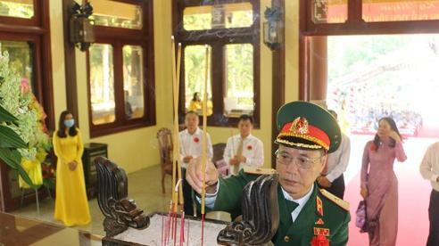 Long trọng kỷ niệm 132 năm Ngày sinh Chủ tịch Tôn Đức Thắng