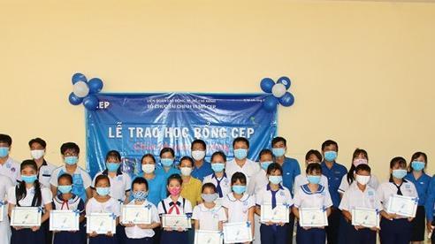 Hơn 130 học sinh Tiền Giang được nhận học bổng