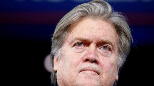 Cựu cố vấn hàng đầu của Tổng thống Trump bị bắt giữ với cáo buộc gian lận