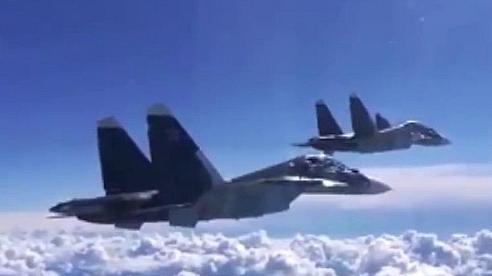 Máy bay Nga dội bom vào các vị trí của IS tại Syria