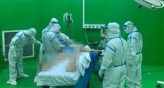 Mổ cấp cứu bệnh nhân COVID-19 bị xuất huyết tiêu hóa nặng