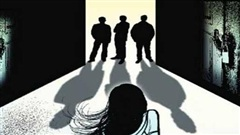 4 đối tượng chuốc say thiếu nữ để thay nhau hiếp dâm