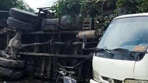Xe tải lao vào nhà dân, tông người đứng trên vỉa hè tử vong tại chỗ
