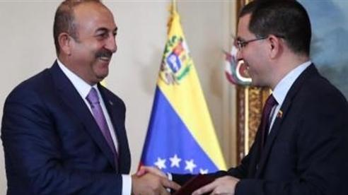 Sao Thổ dám lơ trừng phạt Mỹ, chơi thân với Venezuela?