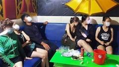 10 đối tượng 'phê' ma túy trong quán karaoke giữa dịch Covid-19