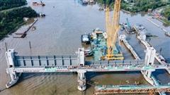 Cận cảnh cống ngăn triều dự án chống ngập 10.000 tỷ đồng ở Sài Gòn vừa được lắp cửa van 460 tấn