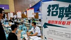 Giải cứu thị trường lao động, các ngân hàng lớn của Trung Quốc đồng loạt tuyển dụng hàng trăm nghìn sinh viên mới ra trường bất chấp lỗ nặng