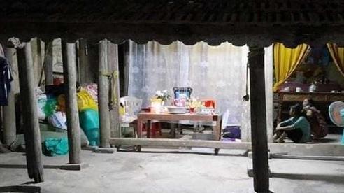 Rơi xuống bể cá cảnh nhà hàng xóm, bé gái 17 tháng tuổi tử vong thương tâm
