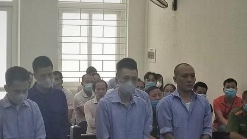 Nhóm côn đồ 'quỵt' tiền quán phở, đòi 200 triệu ở Hà Nội