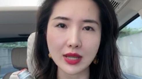 Vợ chủ tịch Taobao lần đầu livestream khoe nhan sắc thật khiến dư luận trầm trồ, ngay sau đó nhân tình của chồng liền đăng ảnh gây khó hiểu