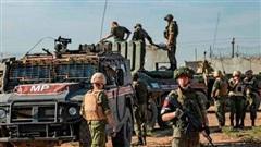 Chiến sự Syria đột ngột nóng: Mỹ truy đuổi đoàn xe quân sự Nga, UAV Thổ Nhĩ Kỳ bị bắn rơi