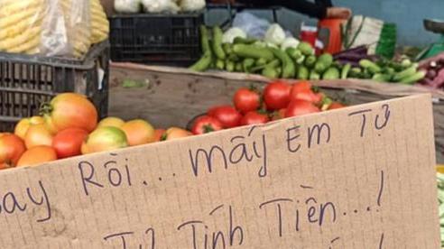 Người đàn ông bán rau lạ lùng và 'khùng' nhất Việt Nam