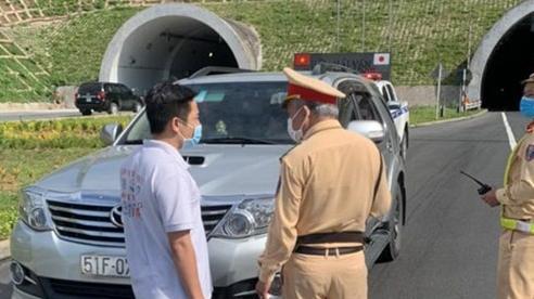 Bắt ô tô chở 6 người từ vùng dịch về quê