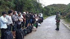 Bắt giữ 31 người nhập cảnh trái phép từ Trung Quốc về Việt Nam