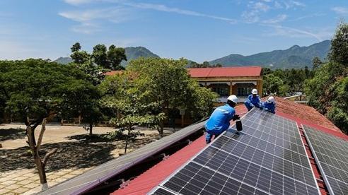 Một số địa phương phát triển 'nóng' điện mặt trời mái nhà, vượt khả năng giải tỏa công suất