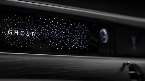 Rolls-Royce Ghost thế hệ mới lộ chi tiết bầu trời sao mini lạ với 90.000 ngôi sao lấp lánh
