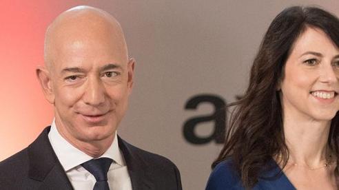 Tài sản Elon Musk lần đầu vượt 100 tỷ USD, Jeff Bezos vượt 200 tỷ USD