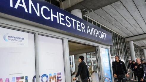 Hành khách say rượu đập cửa buồng lái, máy bay phải hạ cánh khẩn cấp