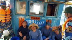 Biên phòng Quảng Trị liên tục đẩy đuổi tàu cá Trung Quốc xâm phạm lãnh hải