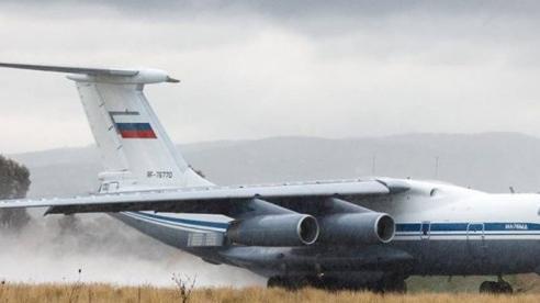 Máy bay vận tải quân sự Nga tới tấp đáp xuống Syria: Nhiều chưa từng thấy!