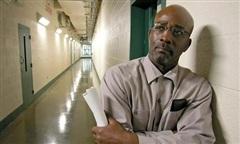Người đàn ông được trả tự do sau 44 năm ngồi tù oan