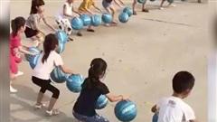 Màn biểu diễn bóng rổ đồng đội siêu ấn tượng của trẻ mẫu giáo Trung Quốc