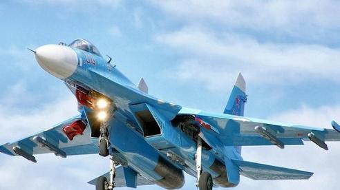 Hai chiến đấu cơ Su-27 của Nga chặn B-52 của Mỹ trên biển Baltic