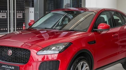 SUV cỡ nhỏ Jaguar E-Pace P200 được bán ra tại Malaysia với giá 96.636 USD