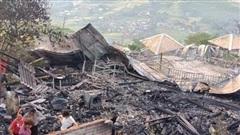 Cháy lớn trong đêm thiêu rụi 3 căn nhà, 1 người mất tích