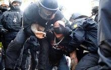 'Giỡn mặt' với Covid-19, 300 người bị bắt ở Đức, Anh