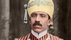 Lạ đời vị quốc vương giàu nhất lịch sử, sở hữu khối tài sản kếch xù nhưng sống tằn tiện đến khó hiểu, mỗi tuần chỉ tiêu đúng 30.000 đồng