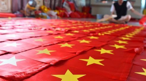 Ngôi làng 75 năm tạo nên những lá cờ Tổ quốc