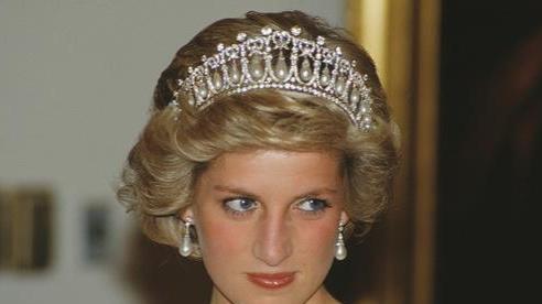 Công nương Diana từng phân vân ở lại Cung điện Kenshington trước khi gặp tai nạn