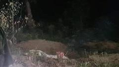 Phát hiện thi thể một phụ nữ cháy đen ở hố rác
