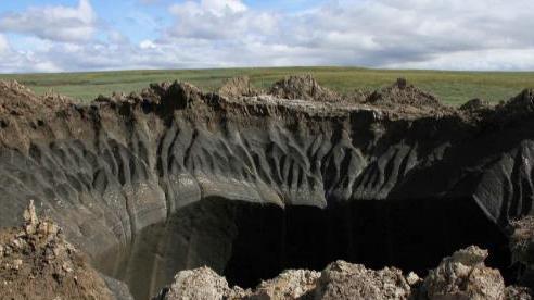 Giải mã miệng hố khổng lồ hình thành sau vụ nổ lớn ở Nga